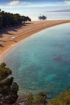 La plage Zlatni Rat, l'île Bra[CODE_C]ˇc (Croatie).
