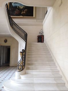 Obsessed with the grandeur of this staircase at Château de Craon in France - it's so beautiful! Luxury Staircase, Staircase Railings, Curved Staircase, Grand Staircase, Staircases, Wrought Iron Staircase, Home Stairs Design, Railing Design, Modern House Design
