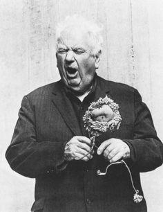 Extremely Silly Photos of Extremely Serious Artists-Alexander Calder roaring like his lion. Alexander Calder, Famous Artists, Great Artists, Modern Artists, Artist Art, Artist At Work, Creative Studio, Portraits Illustrés, Silly Photos