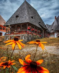Barsana Monastery Photo b What A Beautiful World, Beautiful Places, Beautiful Pictures, Travel Around The World, Around The Worlds, Visit Romania, Autumn Scenery, Ancient Architecture, Africa Travel