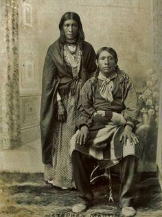 Cho-he and her husband, Bisu-titi (aka Little Wing, aka Stephen Martin) - Caddo - circa 1896