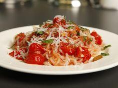 Slim-Pasta: Die Slim-Spaghetti und die frischen Zutaten machen dieses Rezept zu einer leckeren und gesunden Mahlzeit.