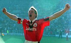 Stuart Pearce Football Shirts, Football Team, Nottingham Forest Fc, Premier League, The Past, Beer Brands, Sports, Scrapbooks, Sport