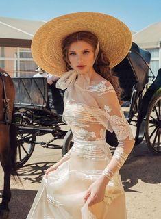 Go back to Poland fashion « niubi. Pretty Dresses, Beautiful Dresses, Beautiful Red Hair, Vintage Dresses, Beautiful People, Ideias Fashion, Cute Outfits, Vintage Fashion, Gowns