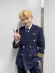 Wonwoo, Jeonghan, Seungkwan, Carat Seventeen, Seventeen Album, Seventeen Woozi, Seventeen Memes, Vernon, Pilot Uniform