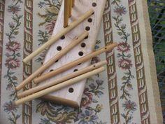 2 Row Maple Peg Loom 14 Peg Loom with 17 Pegs. by LibbyLuLa
