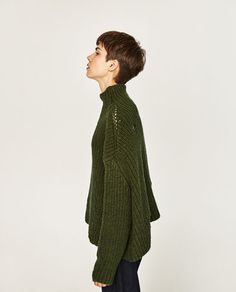 Image 4 of OVERSIZED KNITTED SWEATER from Zara