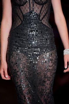 Close up Défilé Versace Haute couture Automne-hiver 2013-2014 Paris