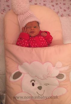 Hallie Annabella is just 4 days old, and already loves her Nap Mat. She is sooooo cute! Thank you to mummy Jess for sharing this gorgeous photo with us. :-) • Find out more about Nap Mats: https://nonnasbaby.co.uk/baby-nap-mats/