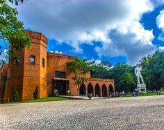 Castelo São João/ Instituto Ricardo Brennand, em Recife, Brasil.