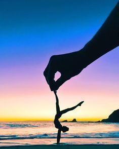 "Idée et inspiration look d'été tendance 2017   Image   Description   ""Sunset Yoga play time at beach we found in Laguna  these memories are unforgettable !! : Kyle Huber"""