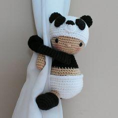 Ravelry: Panda - Baby in Panda costume, curtain tieback pattern by BBadorables Grote ramen, kleine Crochet Home, Cute Crochet, Crochet Dolls, Crochet Baby, Knitting For Kids, Baby Knitting, Panda Craft, Panda Costumes, Diy Crochet Projects