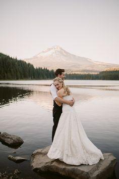 Caleb + Maria Trillium Lake – Julia Green Wedding Photography Inspiration, Wedding Inspiration, Trillium Lake, Professional Photographer, Wedding Photos, Wedding Dresses, Green, Model, Beauty