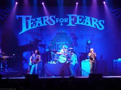 Tears for Fears Wiltern 2011 Popular Bands, Tears For Fears, Dance Like No One Is Watching, Rock Artists, Pop Rock Bands, The New Wave, English News, Film Music Books, My Escape