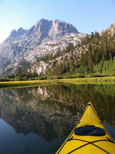 Kayaking in the Sierra mountains June Lake California, Lakes In California, California Camping, California National Parks, Kayak Camping, Camping Spots, Canoe And Kayak, Outdoor Camping, Lake Kayak