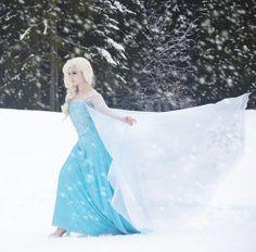 Disney Frozen Elsa cosplay