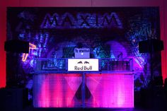 15 Design Ideas to Steal From New York Super Bowl Parties - 15 Design Ideas to . - 15 Design Ideas to Steal From New York Super Bowl Parties – 15 Design Ideas to Steal From New Yo - Event Themes, Event Decor, Bar Mitzvah Decorations, Super Bowl Rings, Weekend Events, Event Branding, Bud Light, Big Game, Event Design