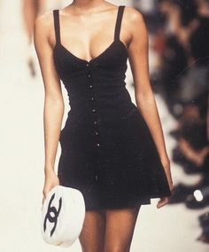 Chanel long plus Chanel etwas länger; Chanel long plus Chanel etwas länger;], Chanel long plus Chanel etwas länger; Fashion 2020, 90s Fashion, Couture Fashion, Runway Fashion, Trendy Fashion, High Fashion, Vintage Fashion, Fashion Outfits, Womens Fashion