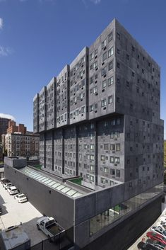 Completed in 2014 in New York, United States. Images by Adjaye Associates, Ed Reeve, Wade Zimmerman. Sugar Hill is a new mixed-use development in Manhattan's historic Sugar Hill district of Harlem that will feature affordable housing, early education. Residential Complex, Residential Architecture, Contemporary Architecture, Architecture Design, Sugar Hill, Hotel Apartment, Interesting Buildings, High Rise Building, House On A Hill