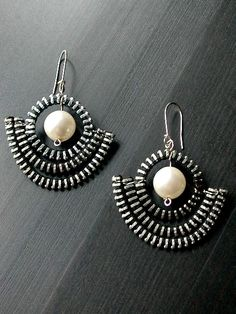The Pearl Anchor Zipper Earrings