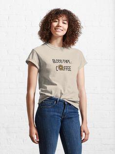 Beau T-shirt, Geile T-shirts, Custom T, Custom Design, Tshirt Colors, Female Models, Funny Tshirts, Chiffon Tops, Chiffon Blouses