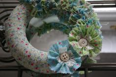 Spring fabric wreath - experimenting with ideas for craft workshops.