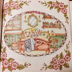 """96 Likes, 3 Comments - 内藤 香奈 (@naito.kana) on Instagram: """"あんまり子供の部屋っぽくない〜 #ロマンティックカントリー #COCOT #Eriy #大人の塗り絵"""""""
