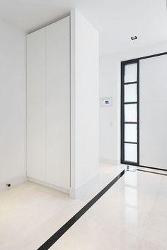 Maatwerk kasten van Cokoen. U krijgt de mogelijkheid met ons een kast te ontwerpen, zodat u een unieke maatwerk kast ontvangt die precies past bij uw interieur.