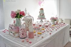 The dessert table for this romantic and cute birds baby shower, we use green gate pieces to decoration
