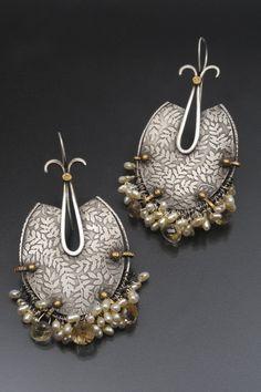 earrings by Debra Colonna via Mariposa Gallery