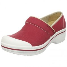 Would you like to slip into one of these comfy #shoes made specially for nurses? #nursing