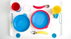 Projeto Eatwell: designer desenvolveu utensílios para facilitar a alimentação de pessoas com Alzheimer.  Fotos: Divulgação