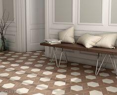 La madera cerámica sigue evolucionando. Aquí Hexawood_white+Chevron_old de Equipe Cerámica