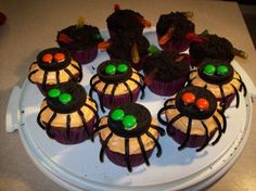 idea..for eyeball cupcake: use one side of oreo cookie, black side up;  add the eyball to the middle with white frosting....maybe?:)