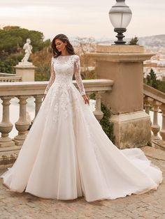 Princess Wedding Dresses, Long Wedding Dresses, Elegant Wedding Dress, Bridal Dresses, Dress Wedding, Princess Gowns, Wedding Bells, Pronovias Wedding Dress, Couture Wedding Gowns