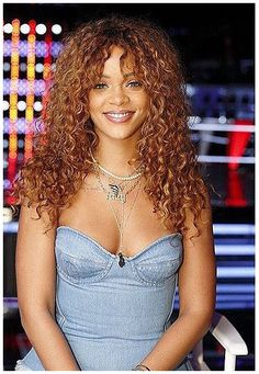 Rihanna - The Voice Octobre 2015