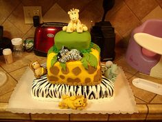 Jungle cake, animals, childrens cake, birthday cake