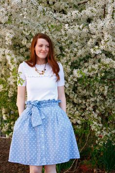 ~Ruffles And Stuff~: Ruffle Waist Skirt Refashion (and Tutorial!)  Such a cute way to remake all those button down skirts I see all the time at Miracle Hill!
