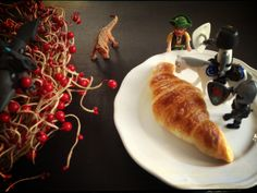 #croissant #dinosaure #play #red #kids
