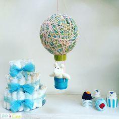 Si quieres hacer un regalo para un recién nacido los pasteles de pañales son una idea muy original y fácil de hacer. En el vídeo del canal de Youtube de Artencasa (link en la bio) podrás ver cómo hacer este pastel de pañales además del móvil para cuna y los cupcakes de bodies ;)