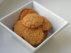 kokosové máslové bezlepkové sušenky Paleo Paleo, Dairy Free Recipes, Cornbread, Free Food, Low Carb, Gluten, Pudding, Cookies, Ethnic Recipes