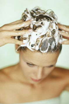 Tips and advice on living healthy and beauty : How to Wash Your Hair — The Right Way