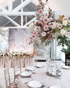 New Ideas Wedding Table Decorations Blush Floral Arrangements Blush Centerpiece, Wedding Reception Centerpieces, Wedding Table Flowers, Decoration Table, Wedding Reception Decorations, Flower Centerpieces, Flower Decorations, Floral Wedding, Wedding Bouquets