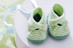 Knitting instructions: With our instructions and tips, these cute baby shoes will succeed in no time at all. Knitting instructions: With our instructions and tips, these cute baby shoes will succeed in no time at all. Baby Knitting Patterns, Knitting Blogs, Loom Knitting, Knitting Designs, Knitting Socks, Baby Patterns, Crochet Patterns, How To Start Knitting, Knitting For Kids