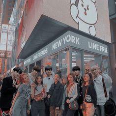 Ulzzang Short Hair, Ulzzang Korean Girl, Ulzzang Couple, Kpop Couples, Cute Couples, Korean Couple Photoshoot, Relationship Goals Tumblr, Korean Best Friends, K Pop