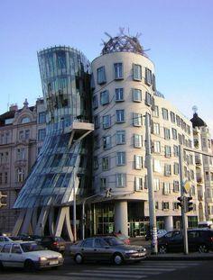 Frank Gehry, Dancing House (Dans Eden Ev), Prag, Çek Cumhuriyeti