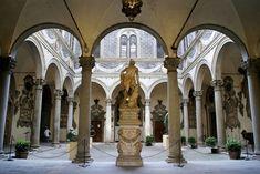 Florenz, Via Cavour, Palazzo Medici-Ricardi, Innenhof mit dem Orpheus von Baccio Bandinelli (courtyard) | da HEN-Magonza