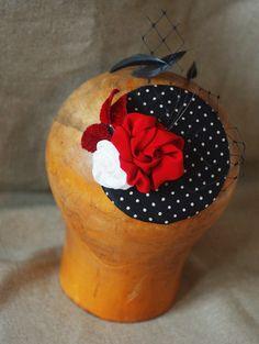 Headpieces Fascinators - polca dots roses Fascinator Hütchen Rosen Seide - ein Designerstück von billies bei DaWanda