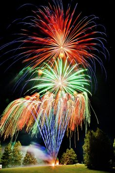 ✮ Fireworks............... gonna get some big ones 4 the 4th!