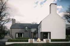 This dwelling took a traditional contemporary style of a simple L shaped formation based around the sun orientation. Modern Bungalow House, Rural House, Style At Home, House Designs Ireland, House Extension Design, Cottage Extension, L Shaped House, House Outside Design, Modern Farmhouse Exterior